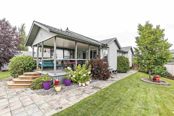 9 LINKSVIEW Place, Spruce Grove