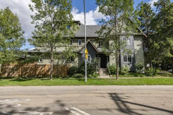 3 7205 97 Street, Edmonton