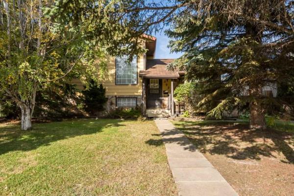 3920 55 Street, Edmonton