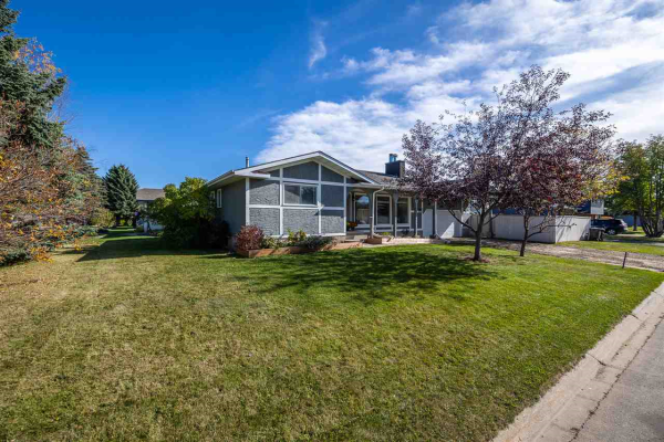 52 WAVERLEY Crescent, Spruce Grove