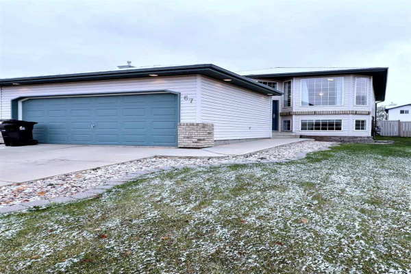 67 LANGLEY Crescent, Spruce Grove