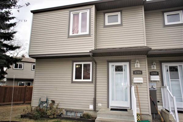 1709 Lakewood Road S, Edmonton