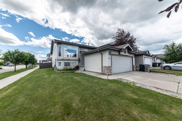 317 FAIRWAY Drive, Stony Plain