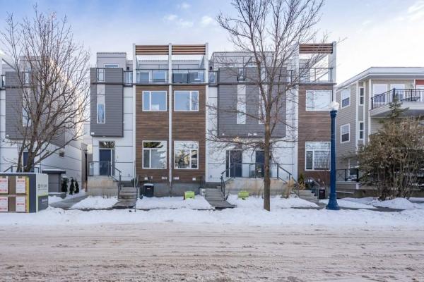 8 9745 92 Street, Edmonton