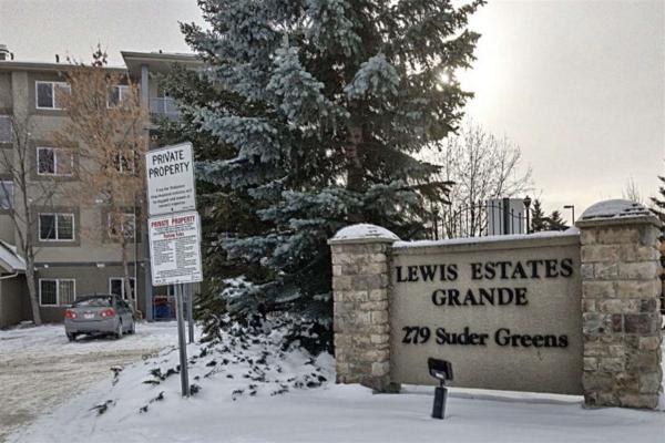 110 279 SUDER GREENS Drive, Edmonton