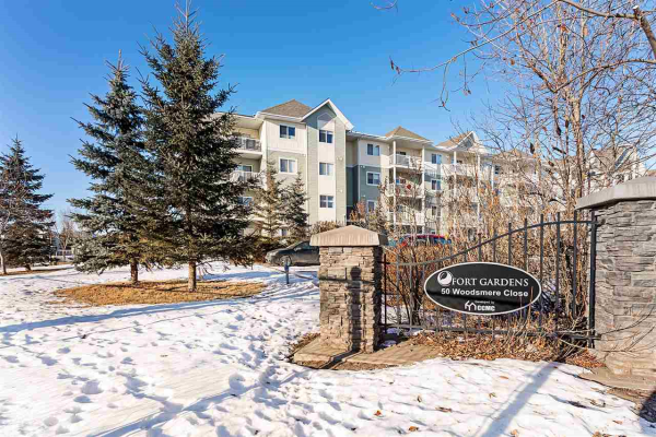 333 50 WOODSMERE Close, Fort Saskatchewan
