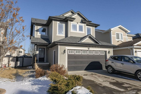 24 SPRING GROVE Crescent, Spruce Grove
