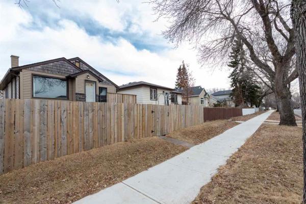 11525 68 Street, Edmonton