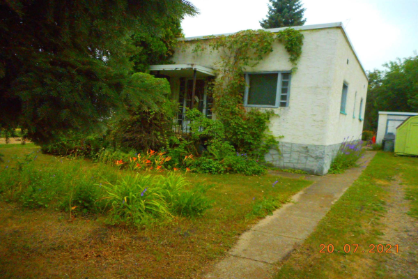 5103 49A Avenue, Andrew