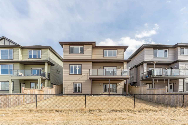 1440 HAYS Way, Edmonton
