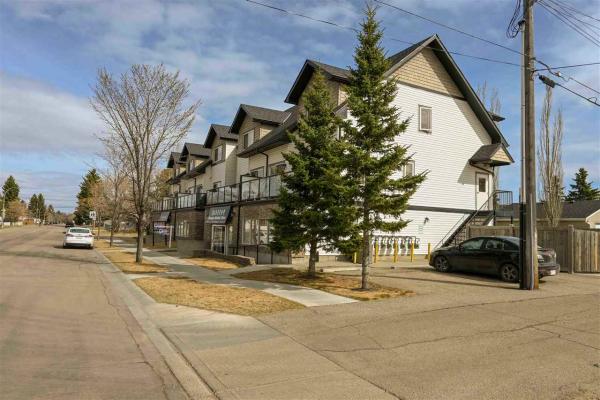 204 15407 93 Avenue, Edmonton