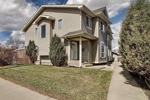 14624 Stony Plain Road, Edmonton