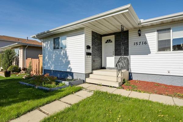 15716 124 Street, Edmonton