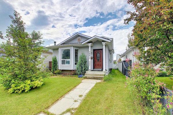724 Johns Road, Edmonton