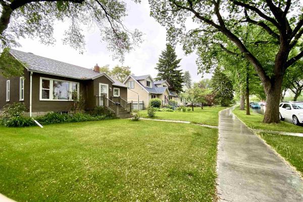 7334 111 Avenue, Edmonton