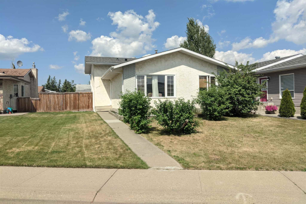 9336 175 Avenue, Edmonton