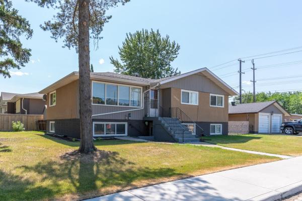 10203-10205 130 Avenue, Edmonton