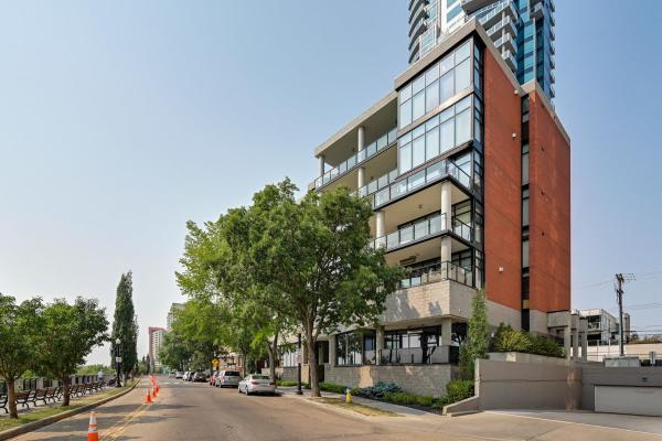 102 11930 100 Avenue, Edmonton