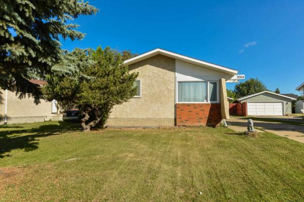9904 171 Avenue, Edmonton