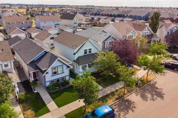 1537 76 Street, Edmonton