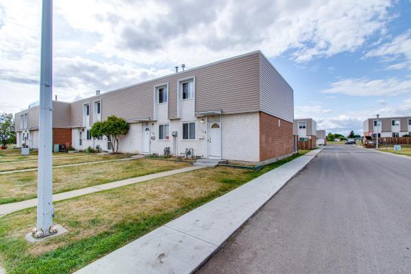 118 CORNELL Court, Edmonton