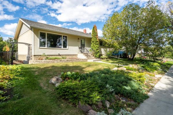 11516 135 Street, Edmonton