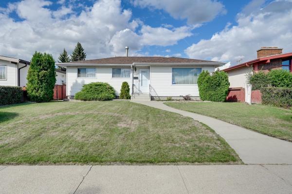 8008 130A Avenue, Edmonton