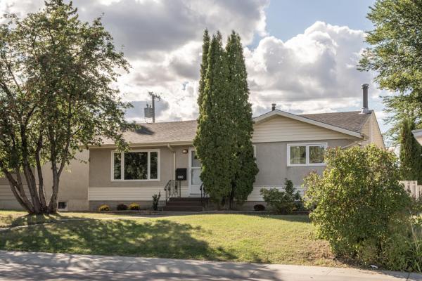 8806 162 Street, Edmonton