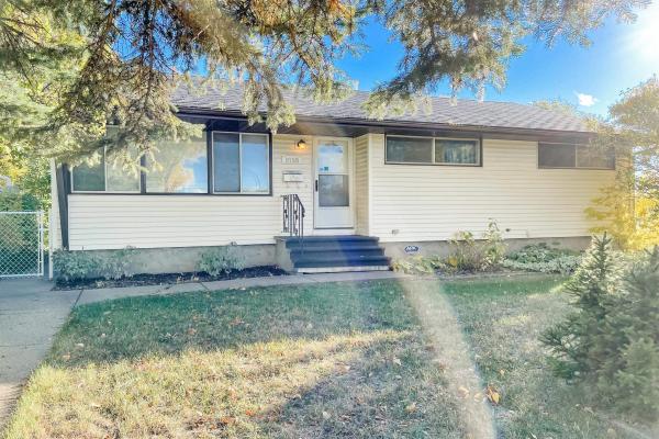 8755 64 Avenue, Edmonton
