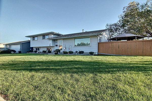 9523 148 Avenue, Edmonton