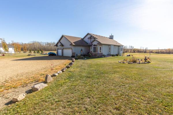 260 21539 Twp Rd 503, Rural Leduc County