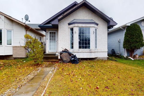 8018 15A Avenue, Edmonton