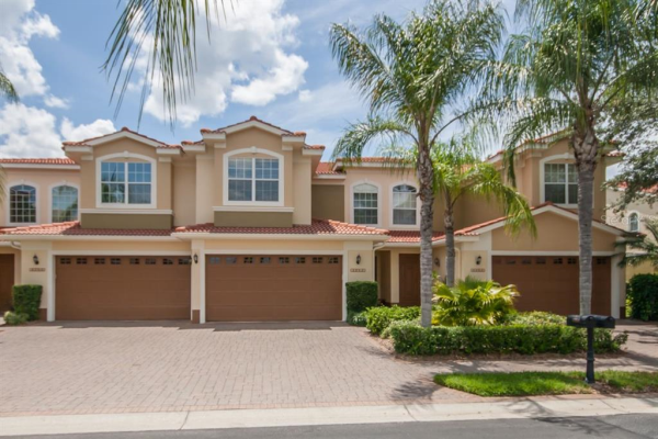 13954 CLUBHOUSE DR, TAMPA