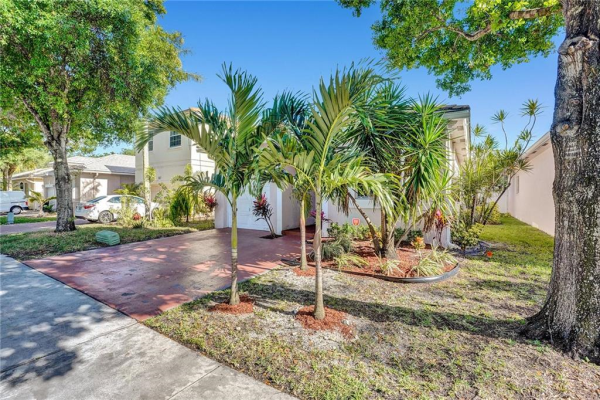4824 NW 19th St, Coconut Creek