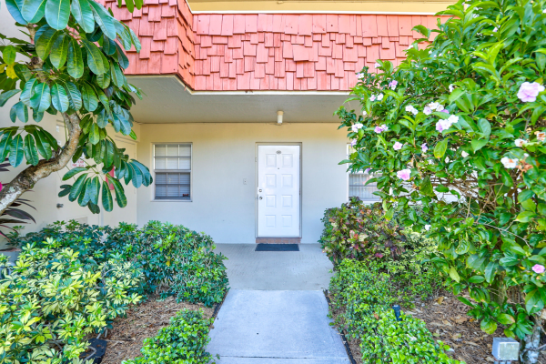 903 Cypress Terrace, Pompano Beach