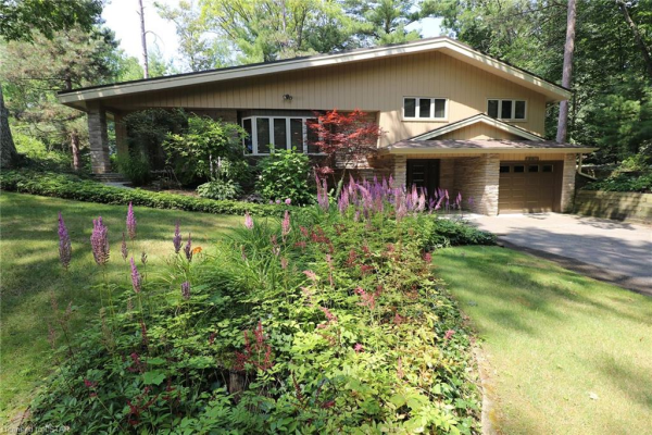 15 FOREST Avenue, Grand Bend