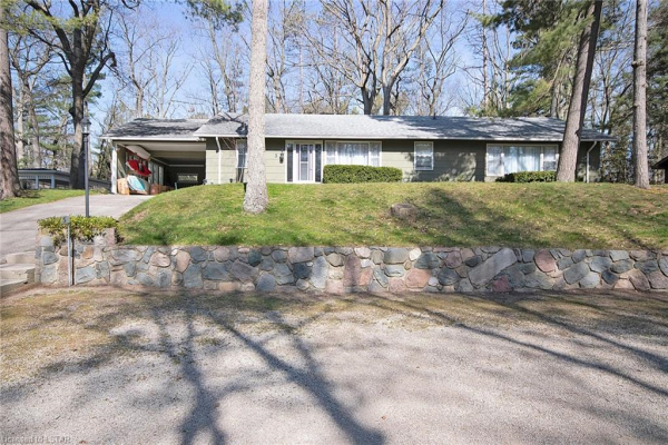 5 FOREST Avenue, Grand Bend