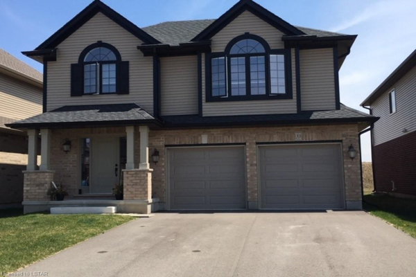 33 ASHBERRY Place, St. Thomas