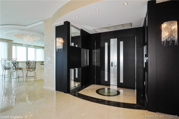 10101 Collins Ave, Bal Harbour