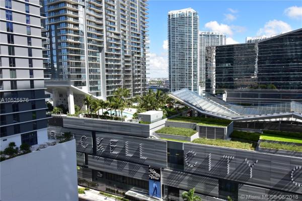45 SW 9th St, Miami
