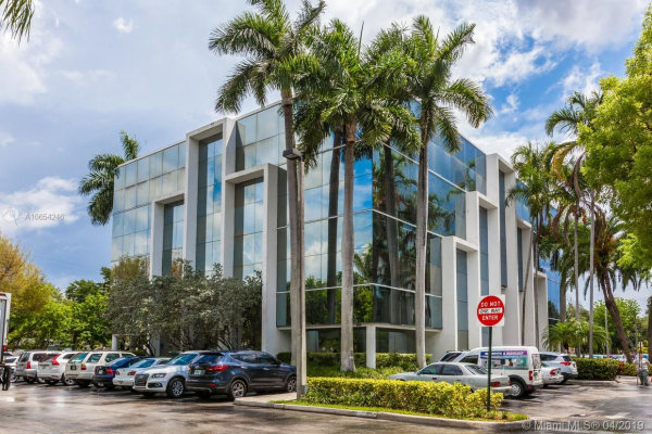 16853 NE 2 AV    S102, North Miami Beach