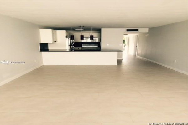 10230 Collins Ave, Bal Harbour