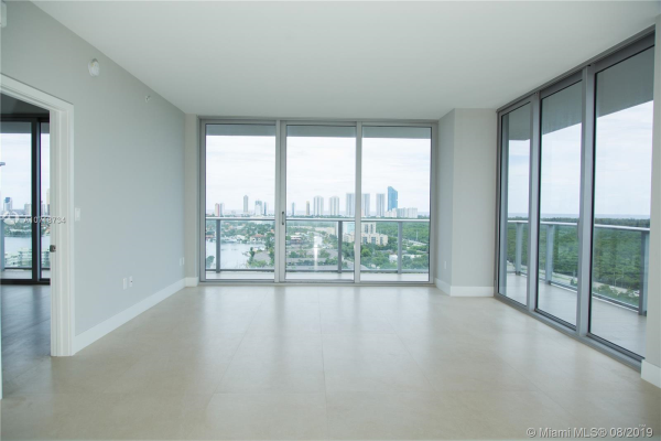 16385 Biscayne Blvd, North Miami Beach