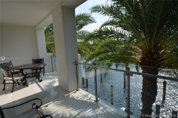 263 Shore Ct, Lauderdale By The Sea
