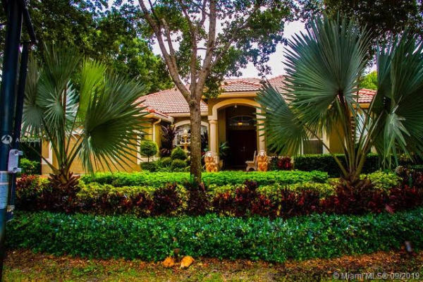 6404 NW 43rd Ter, Coconut Creek
