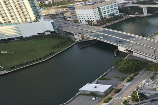88 SW 7th St, Miami