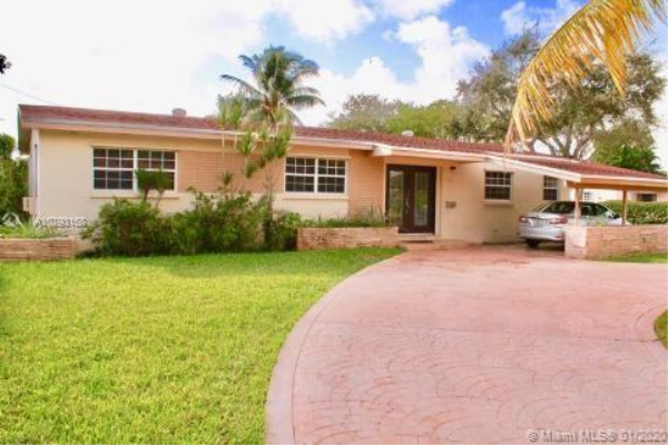 1000 NE 179th St, North Miami Beach