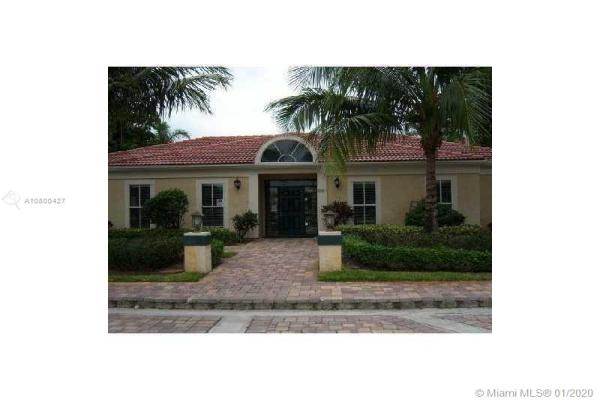 833 Riverside Dr, Coral Springs