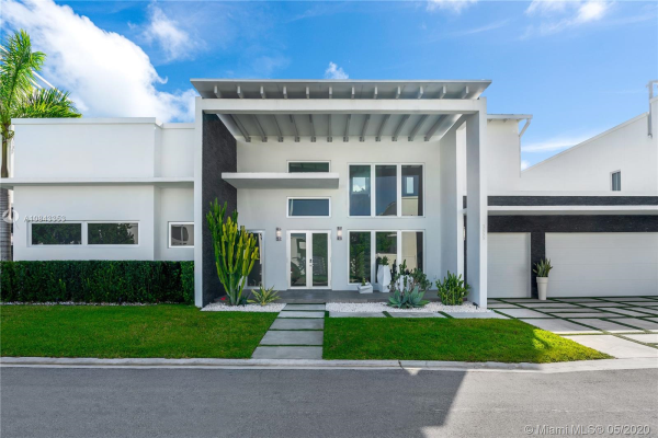 3455 NW 82nd Ct, Doral