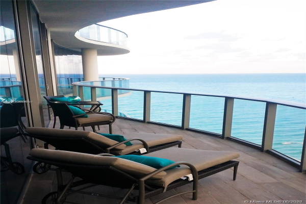 17475 SE Collins Ave, Sunny Isles Beach